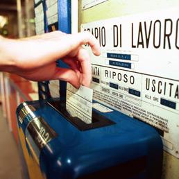 licenziamento lavoratore timbro cartellino